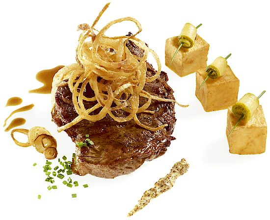 A picture shows Roast Beef with Crispy Fried Onions
