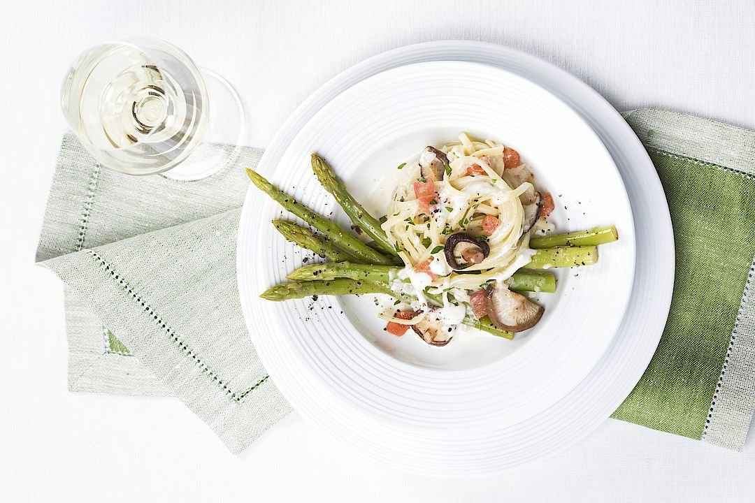 A picture shows an asparagus meal.