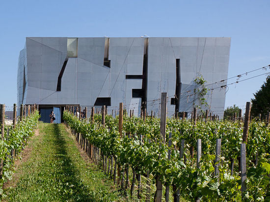 A picture shows the Loisium Wineexperience-world